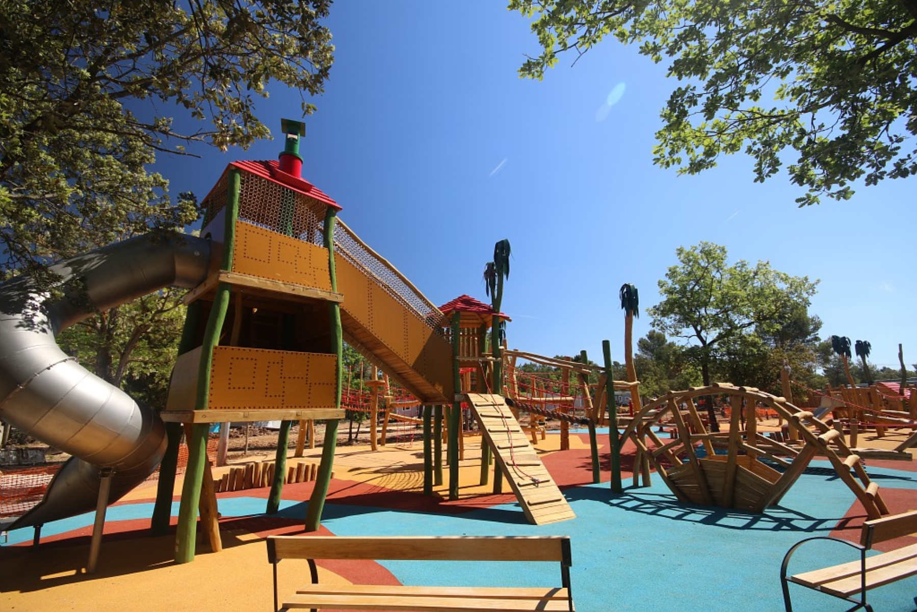 Village camping Homair Vacances Les Lacs du Verdon - Commerces et services  REGUSSE