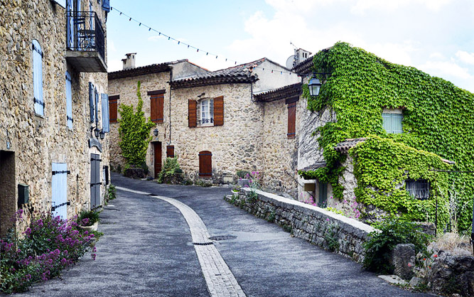 Le village de Villecroze