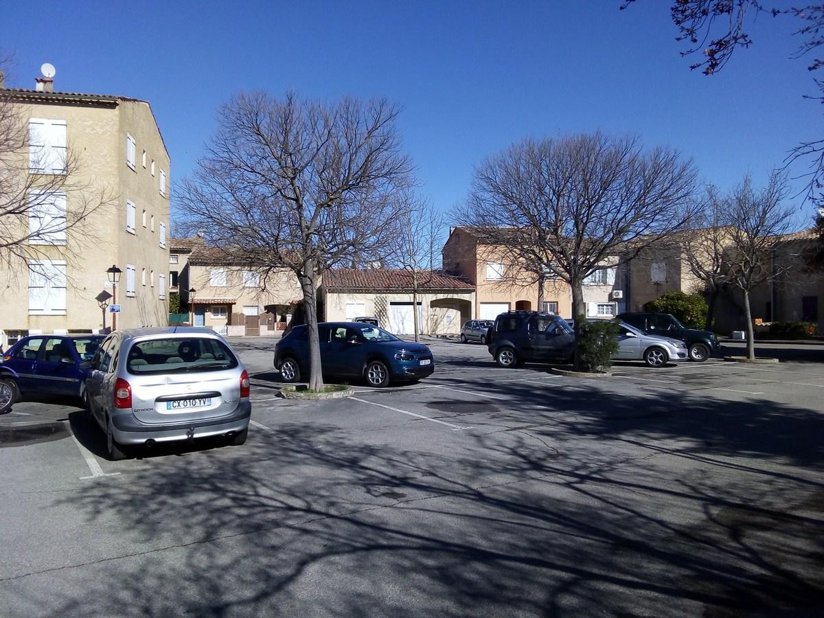 Photo Parking Place Boujaffre