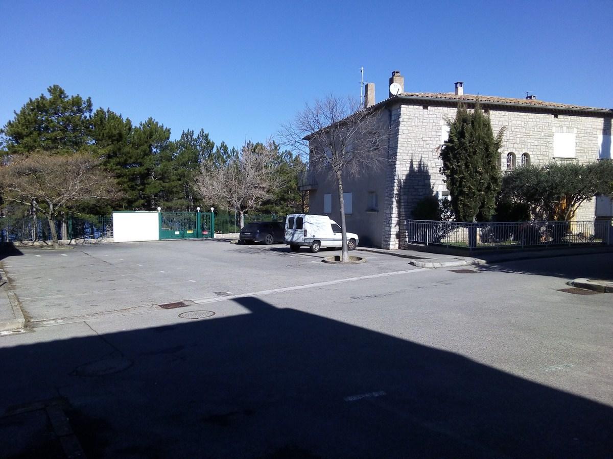 Photo Parking Place de l'écluse